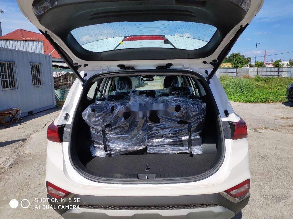 Cần bán xe Hyundai Santa Fe sản xuất năm 2019, màu trắng, giá tốt (2)