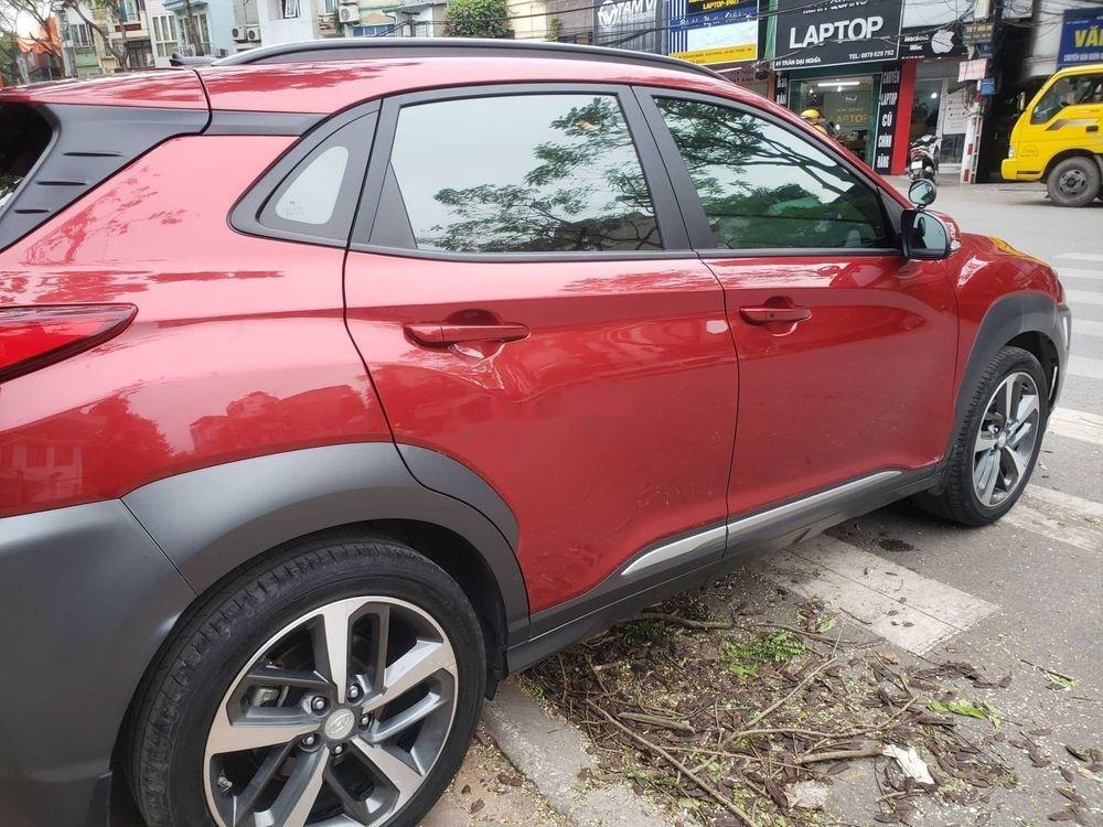Cần bán Hyundai Kona 1.6 Turbo sản xuất 2018, màu đỏ còn mới (4)