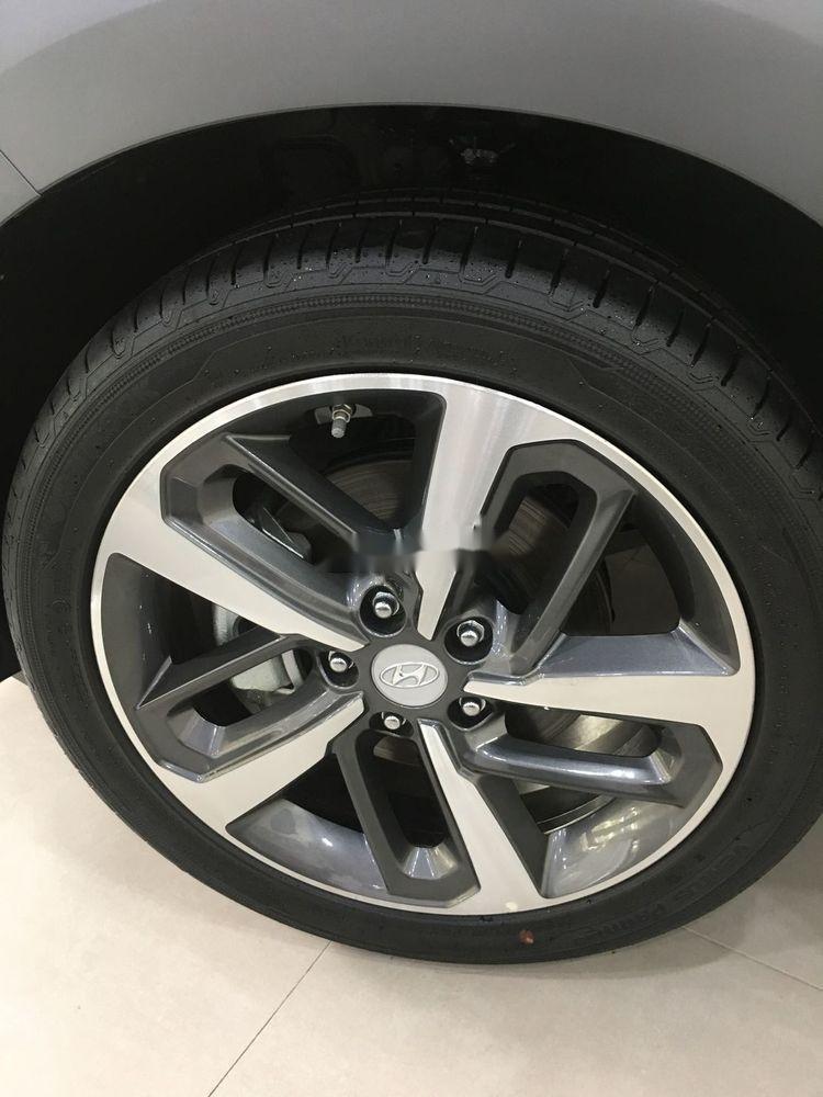 Cần bán xe Hyundai Kona sản xuất năm 2019, nội thất đẹp (8)