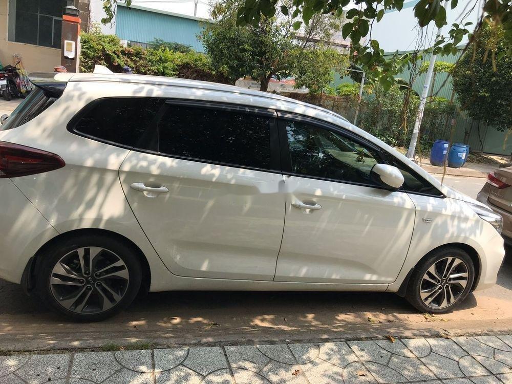Bán ô tô Kia Rondo đời 2017, màu trắng, 530tr (1)