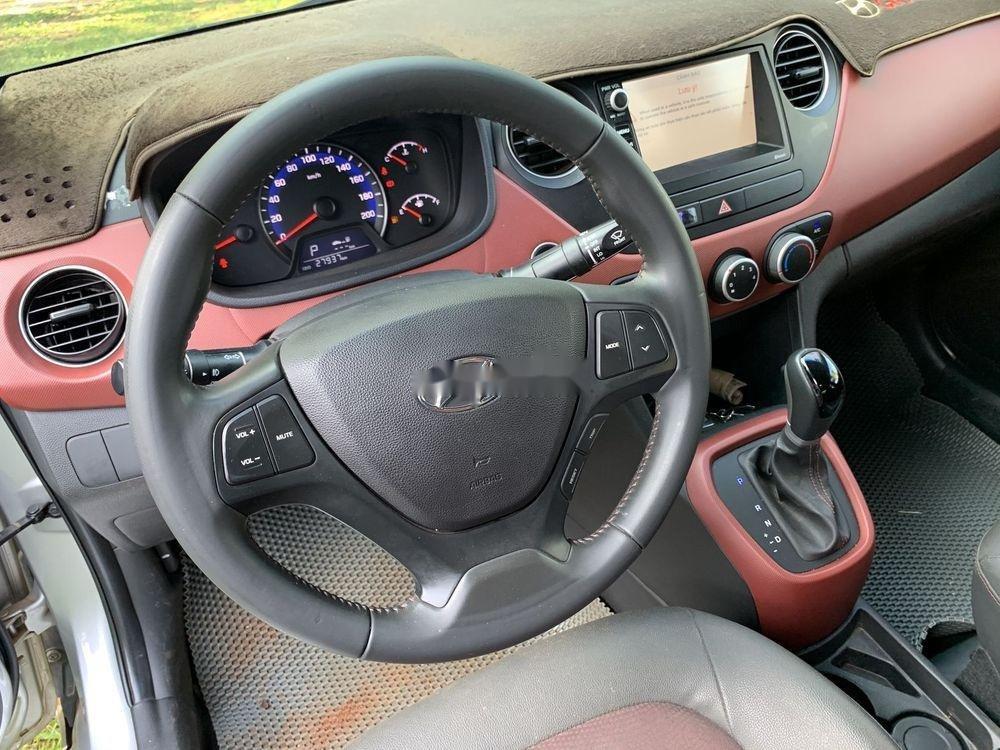 Bán Hyundai Grand i10 1.2 AT đời 2018, màu bạc (4)