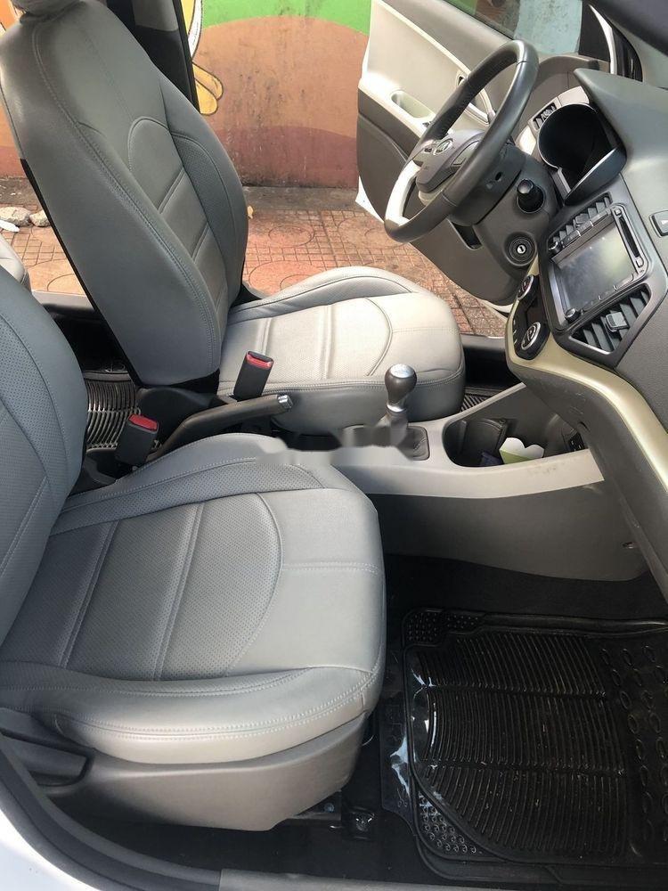Bán ô tô Kia Morning đời 2016, màu trắng xe gia đình (4)