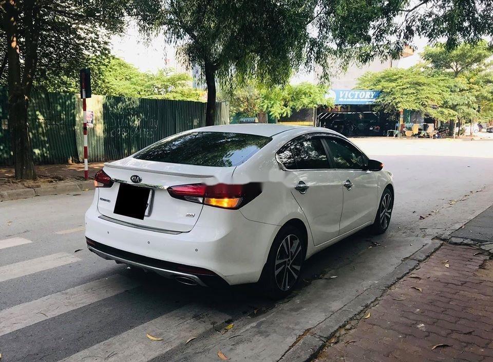 Cần bán lại xe Kia Cerato 2.0 AT sản xuất 2018, màu trắng  (6)