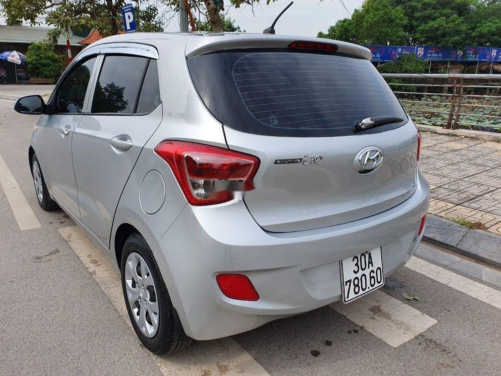 Bán Hyundai Grand i10 2016, màu bạc, nhập khẩu chính chủ giá tốt (4)