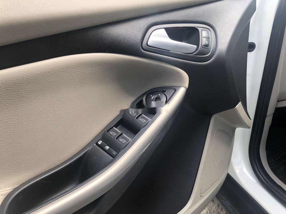 Bán xe Ford Focus AT đời 2018, màu trắng (7)