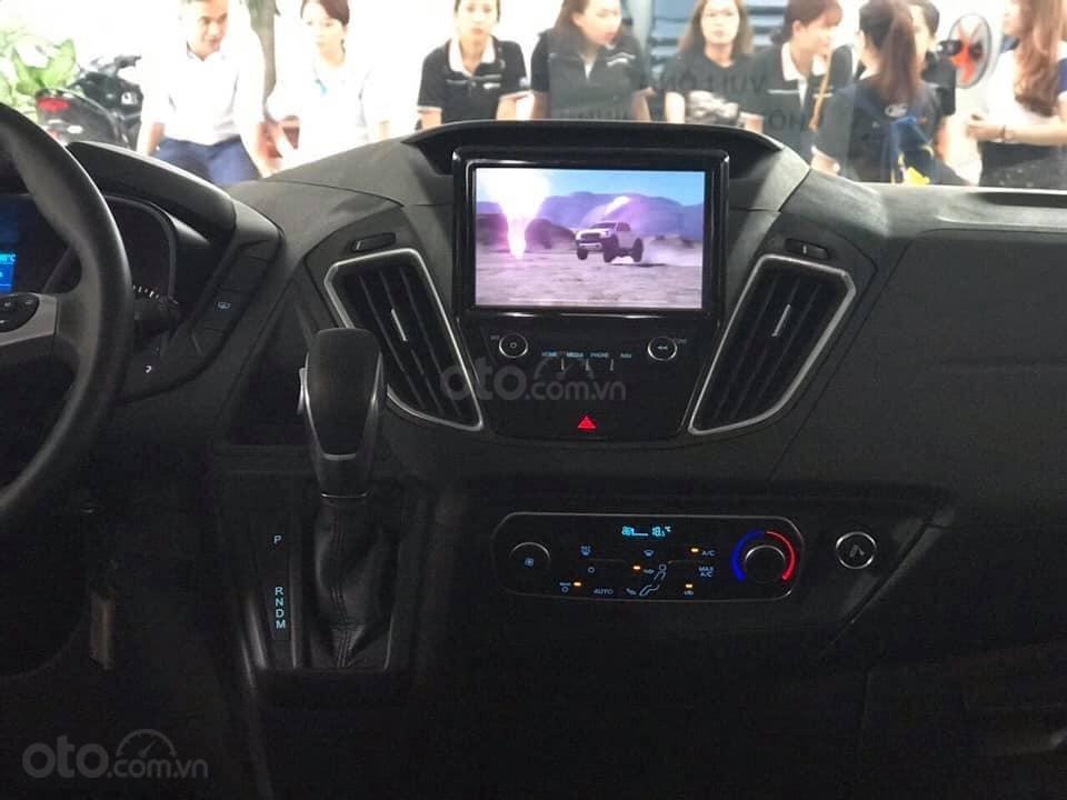 Bán Ford Tourneo đủ màu giao ngay - nhiều ưu đãi hấp dẫn (5)