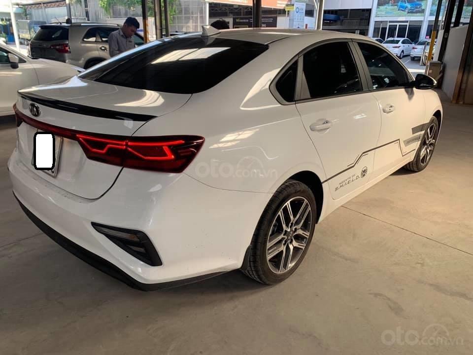 Bán xe Kia Cerato form mới, sản xuất năm 2018, đăng ký 2019, số sàn, màu trắng, 538 triệu (3)
