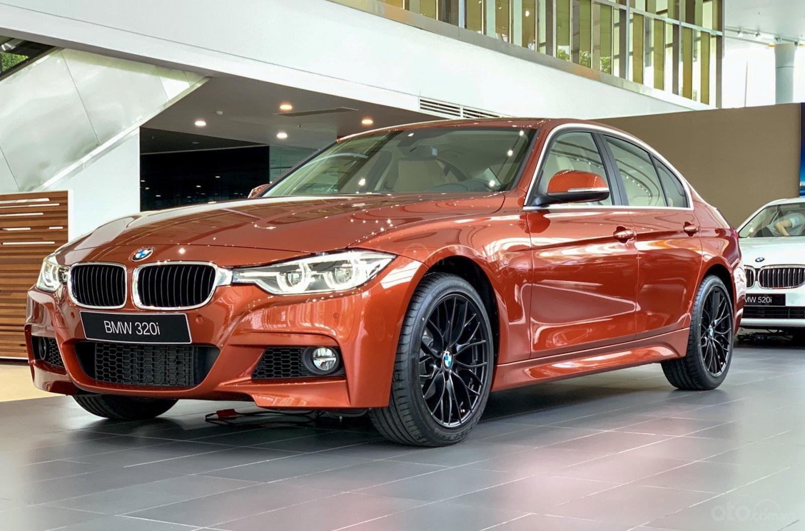 BMW 320i khuyến mãi 270 triệu trong tháng 11 (1)