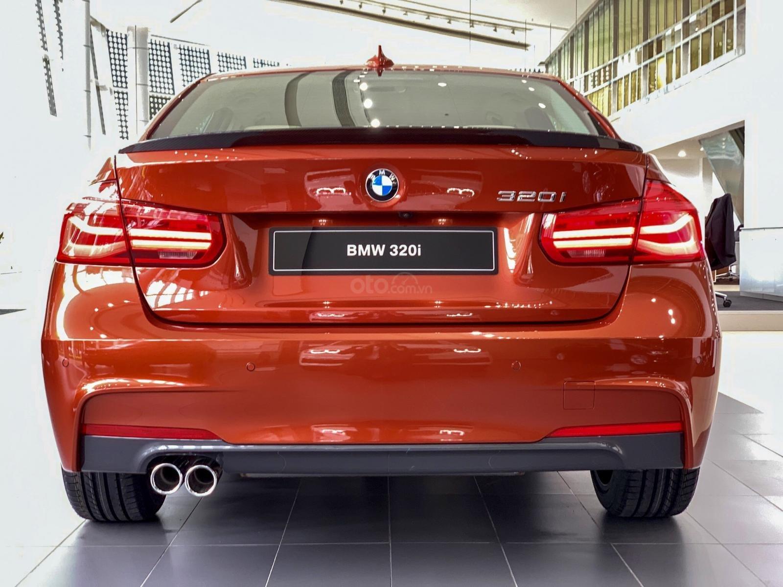BMW 320i khuyến mãi 270 triệu trong tháng 11 (5)