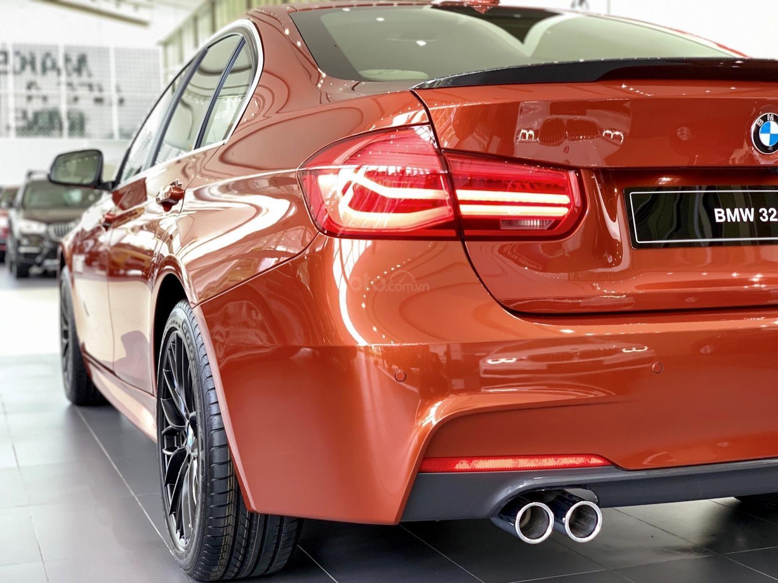 BMW 320i khuyến mãi 270 triệu trong tháng 11 (6)