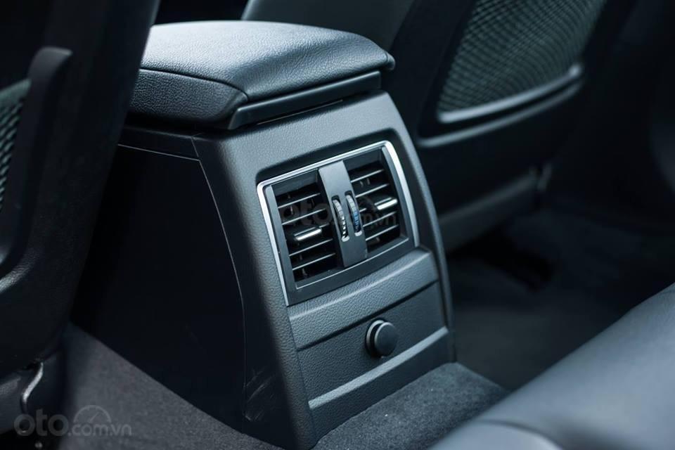 BMW 320i khuyến mãi 270 triệu trong tháng 11 (11)