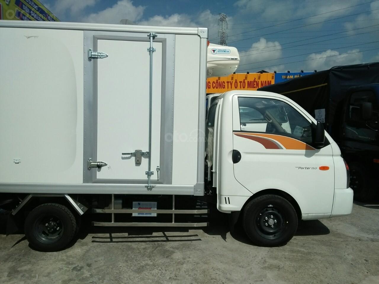 Bán Hyundai Porter H150 (2019) thùng đông lạnh có sẵn giao ngay (3)