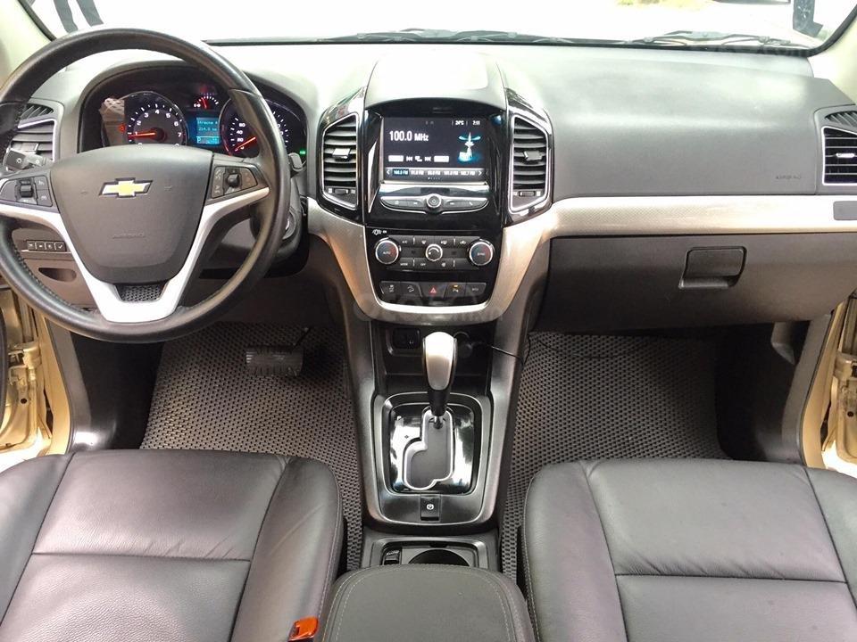 Chevrolet Captiva LTZ sản xuất 2017 mầu vàng cát, odo 26000km (10)