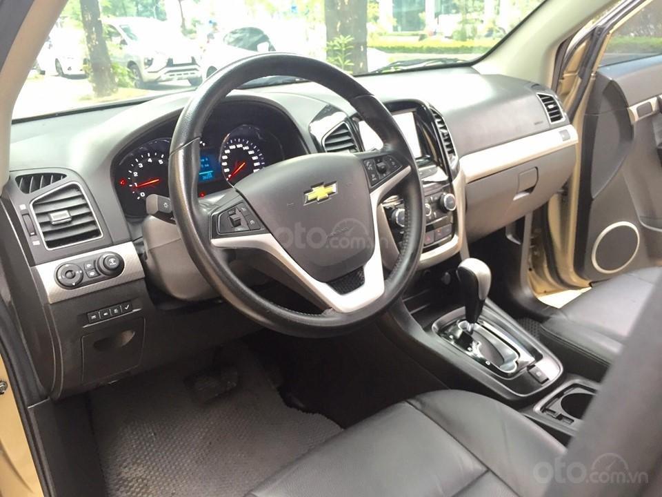 Chevrolet Captiva LTZ sản xuất 2017 mầu vàng cát, odo 26000km (9)