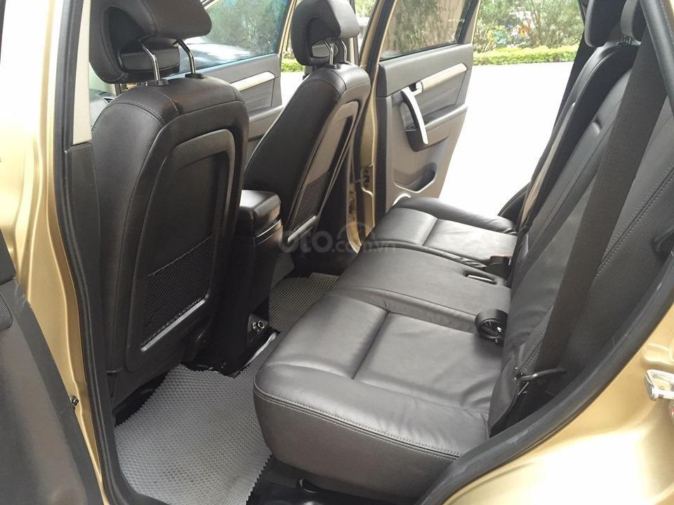 Chevrolet Captiva LTZ sản xuất 2017 mầu vàng cát, odo 26000km (15)