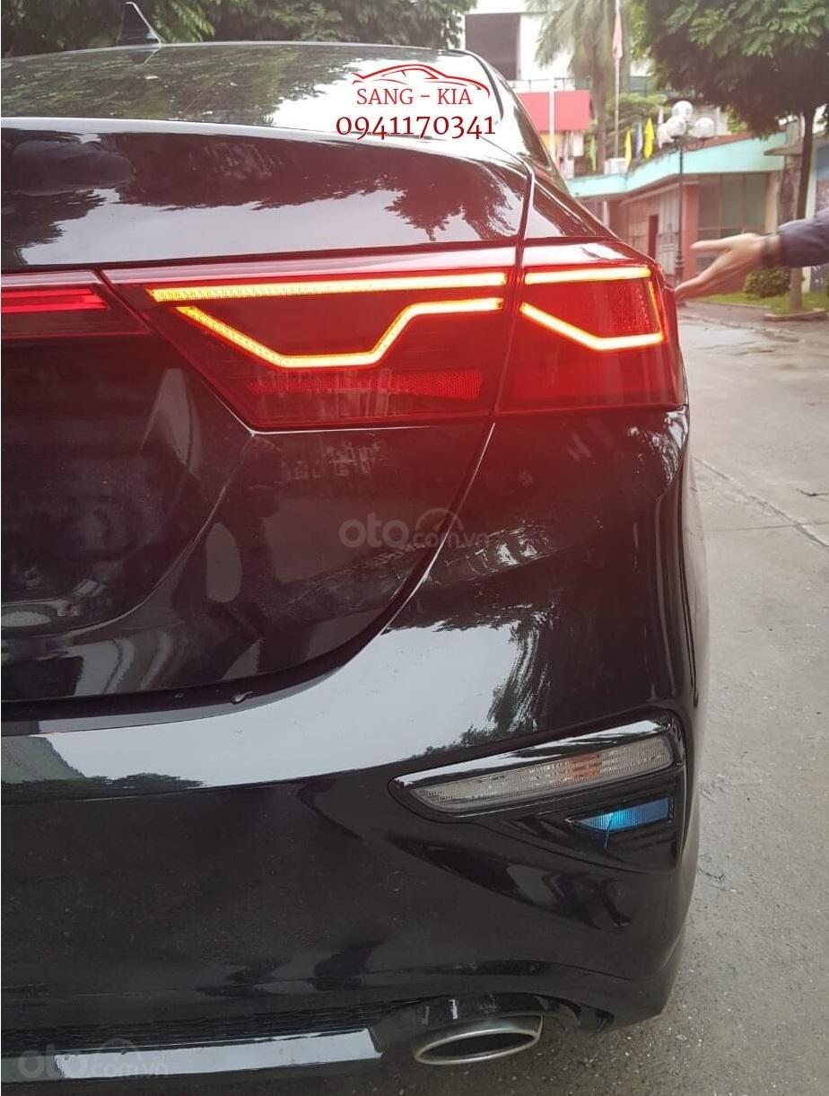 Chiêm ngưỡng nội, ngoại thất của chiếc Sedan mới nhất thị trường (8)