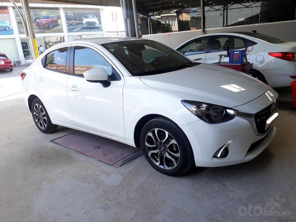Bán Mazda 2 sản xuất năm 2017, màu trắng, số tự động, xe bao đẹp (5)