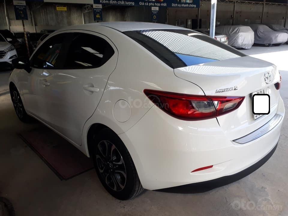 Bán Mazda 2 sản xuất năm 2017, màu trắng, số tự động, xe bao đẹp (9)