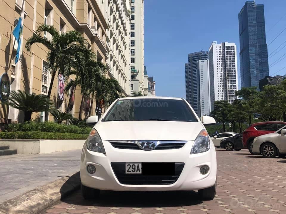 Bán Hyundai i20 1.4AT sản xuất 2012, màu trắng, xe nhập, giá tốt (5)