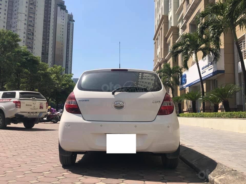 Bán Hyundai i20 1.4AT sản xuất 2012, màu trắng, xe nhập, giá tốt (8)