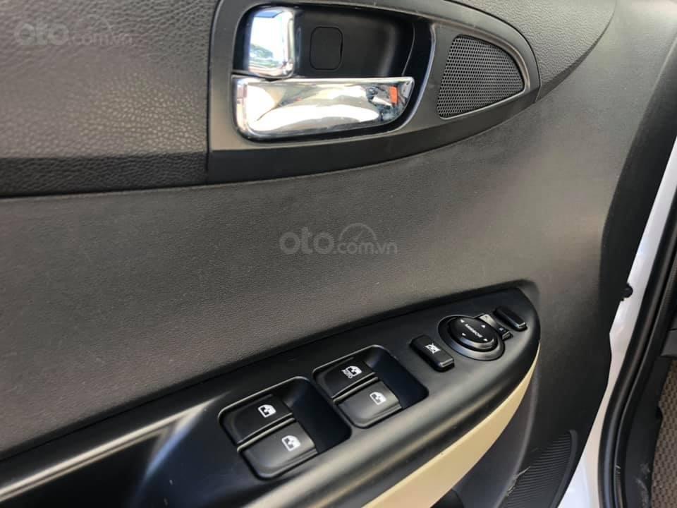 Bán Hyundai i20 1.4AT sản xuất 2012, màu trắng, xe nhập, giá tốt (3)