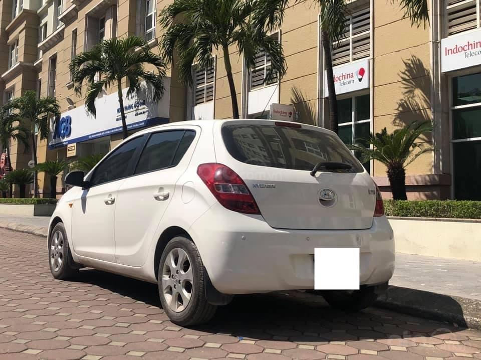 Bán Hyundai i20 1.4AT sản xuất 2012, màu trắng, xe nhập, giá tốt (4)
