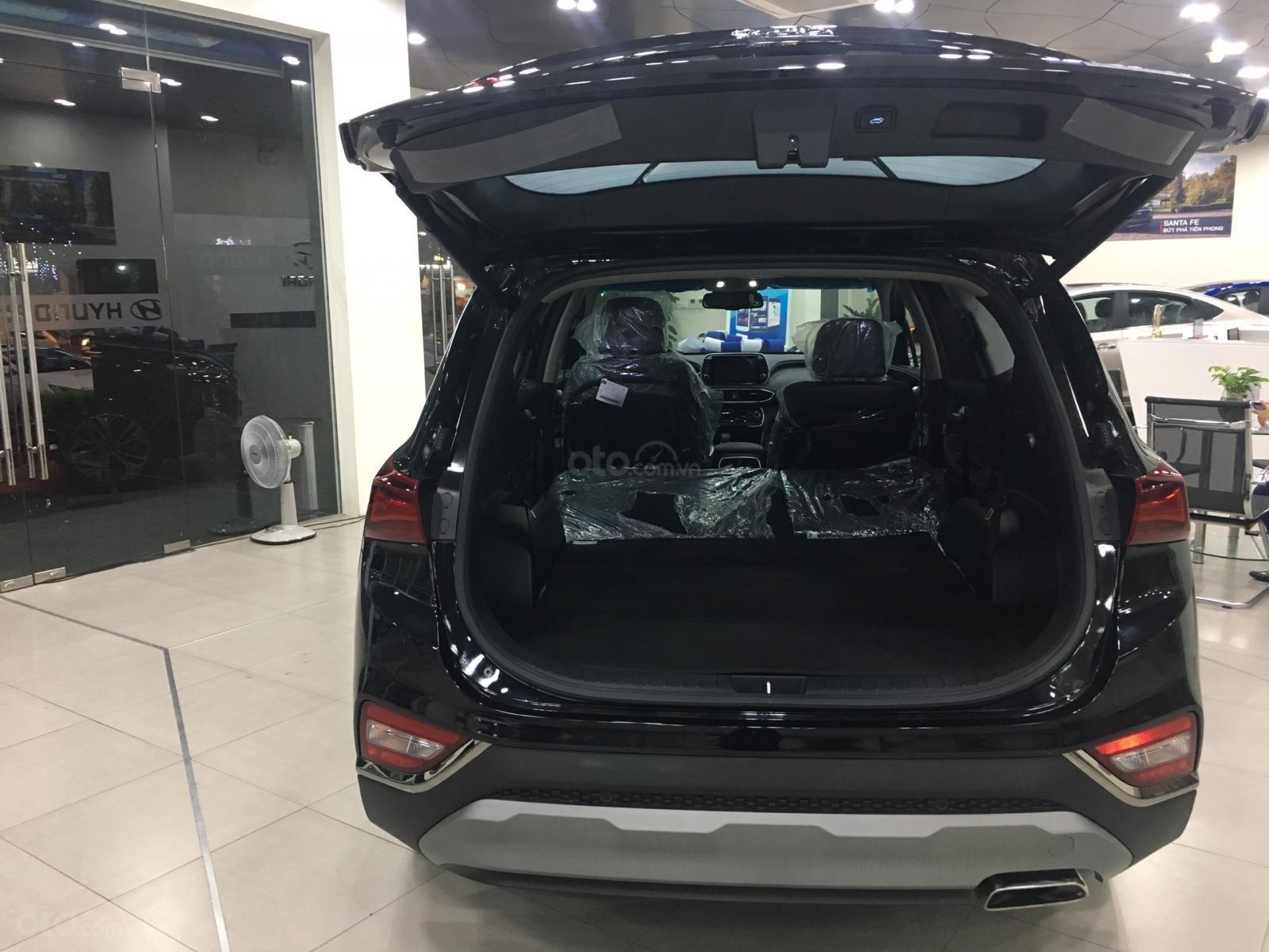 Hyundai Santa Fe bản đặc biệt, sẵn xe giao ngay, giá cực tốt, KM khủng trả góp chỉ 250tr nhận xe (2)