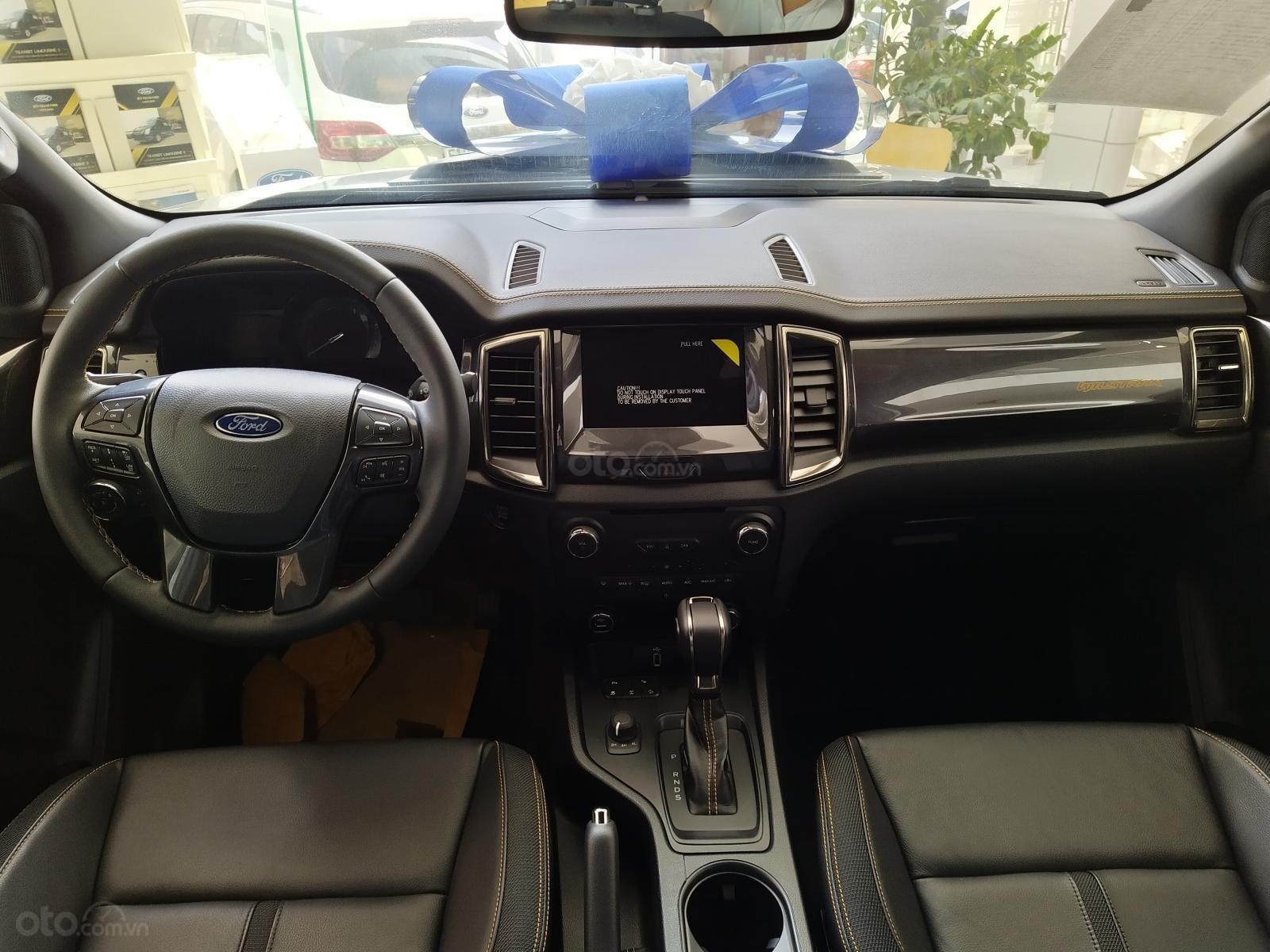 Bán Ford Raptor giảm tiền mặt, tặng phụ kiện (5)