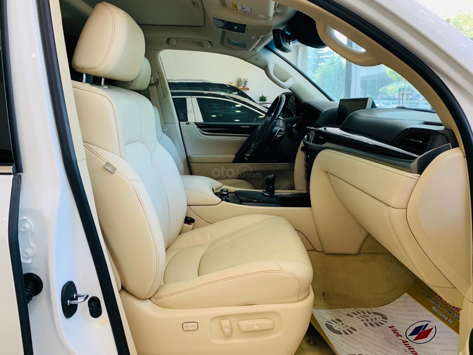 Bán ô tô Lexus LX super sport model 2017, đăng ký 2019 màu trắng, nhập khẩu, mới 99% (12)