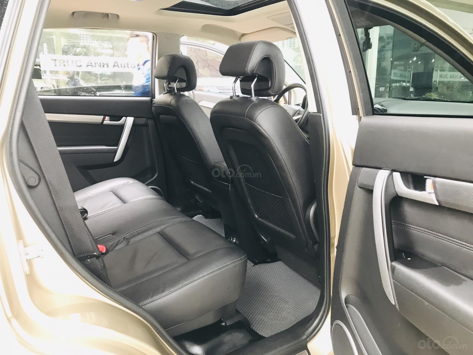 Cần bán Chevrolet Captiva LTZ sản xuất 2017, màu vàng, số tự động (23)