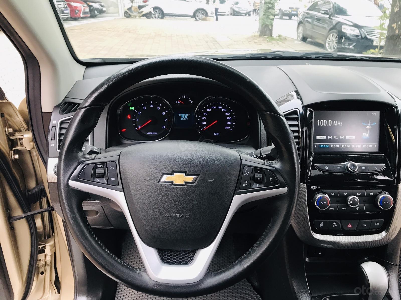 Cần bán Chevrolet Captiva LTZ sản xuất 2017, màu vàng, số tự động (18)