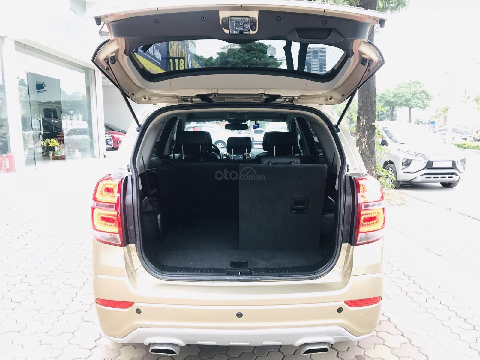 Cần bán Chevrolet Captiva LTZ sản xuất 2017, màu vàng, số tự động (12)
