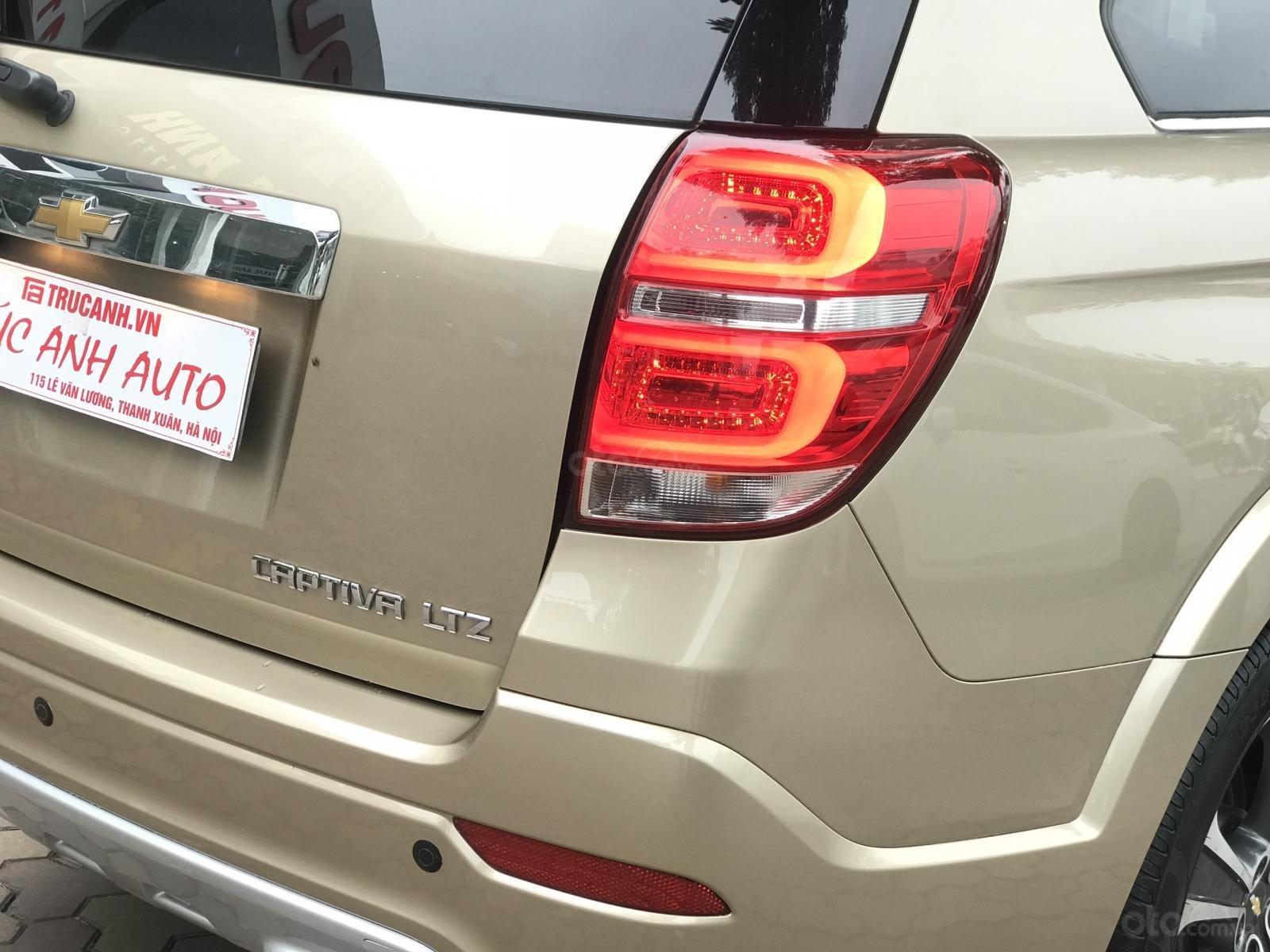 Cần bán Chevrolet Captiva LTZ sản xuất 2017, màu vàng, số tự động (8)
