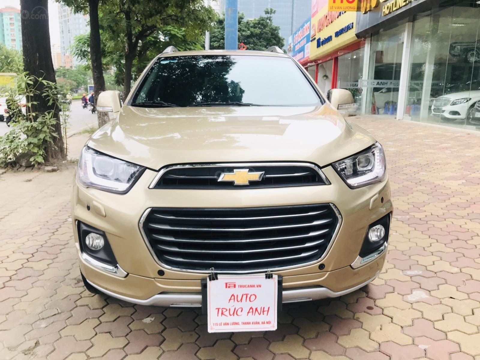 Cần bán Chevrolet Captiva LTZ sản xuất 2017, màu vàng, số tự động (1)