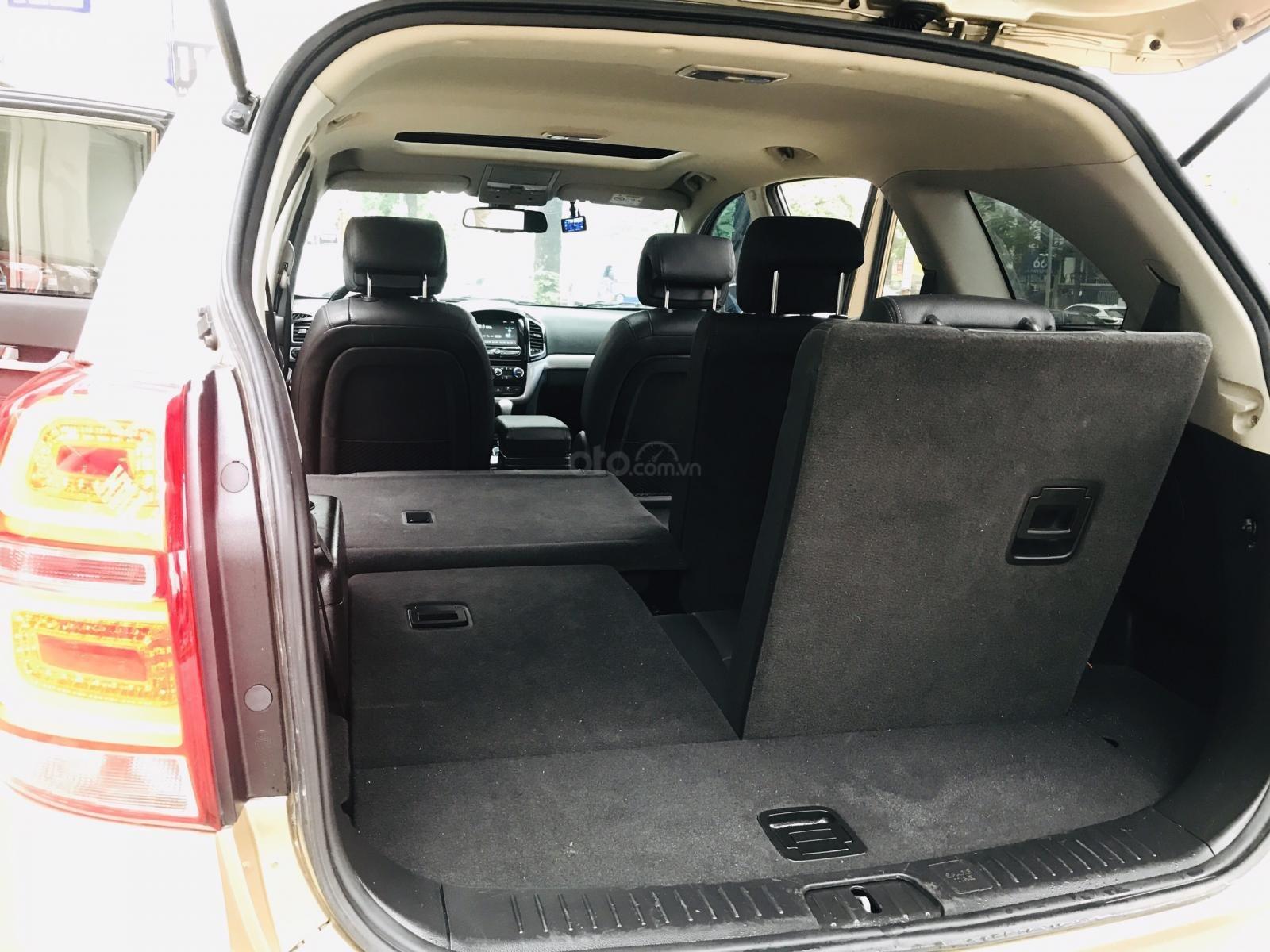 Cần bán Chevrolet Captiva LTZ sản xuất 2017, màu vàng, số tự động (13)