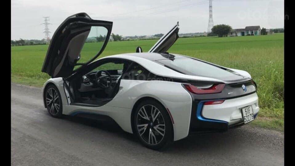 Bán xe BMW i8 đời chuẩn 2015 (1)
