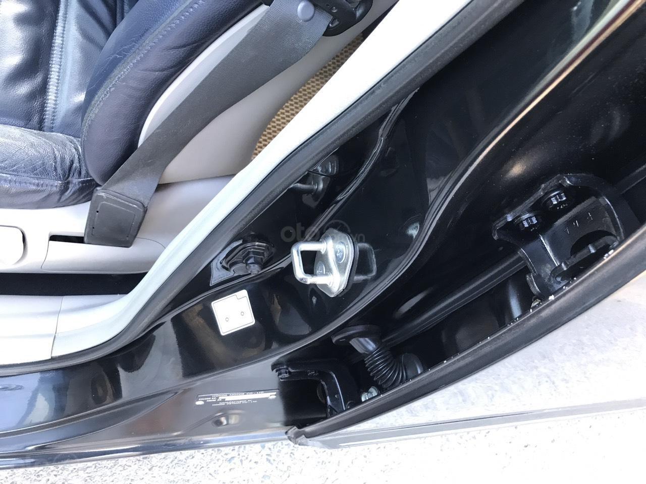Cần bán Honda Civic 2.0AT sản xuất năm 2008, màu đen, chính chủ, xe tuyển (19)