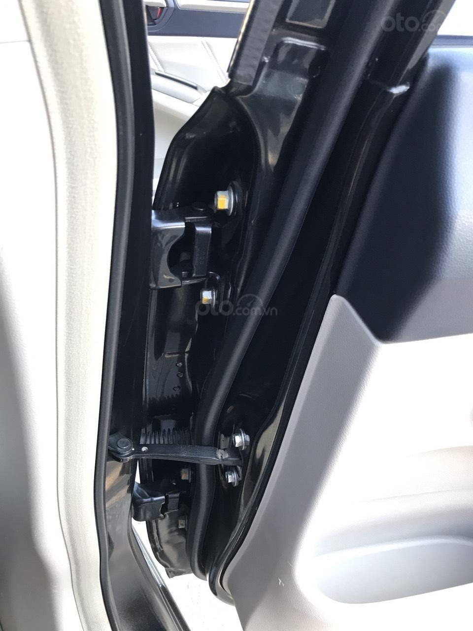Cần bán Honda Civic 2.0AT sản xuất năm 2008, màu đen, chính chủ, xe tuyển (17)