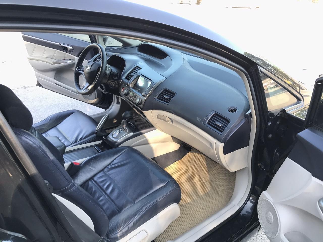 Cần bán Honda Civic 2.0AT sản xuất năm 2008, màu đen, chính chủ, xe tuyển (7)