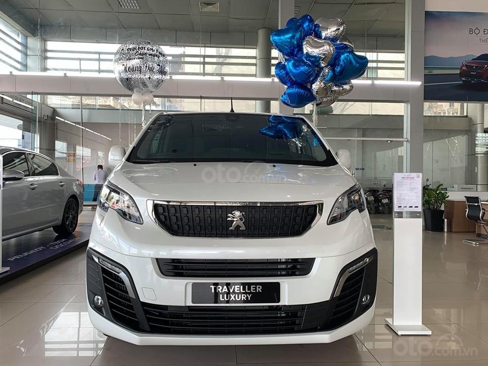 Bán Peugeot Traveller 2019 giá ưu đãi (1)