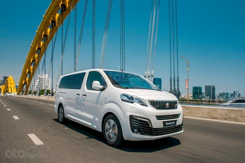 Bán Peugeot Traveller 2019 giá ưu đãi (3)