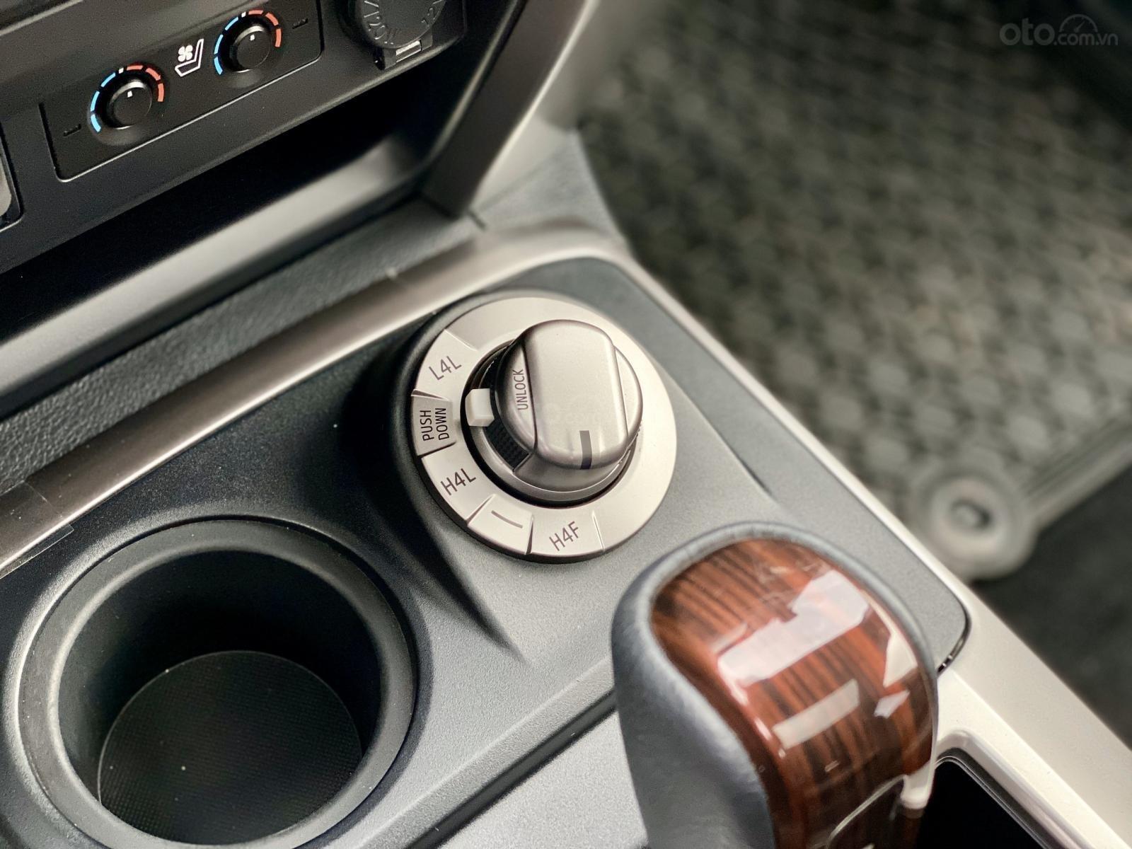 Cần bán Toyota 4 Runner Limited đời 2018, màu trắng, xe nhập (7)