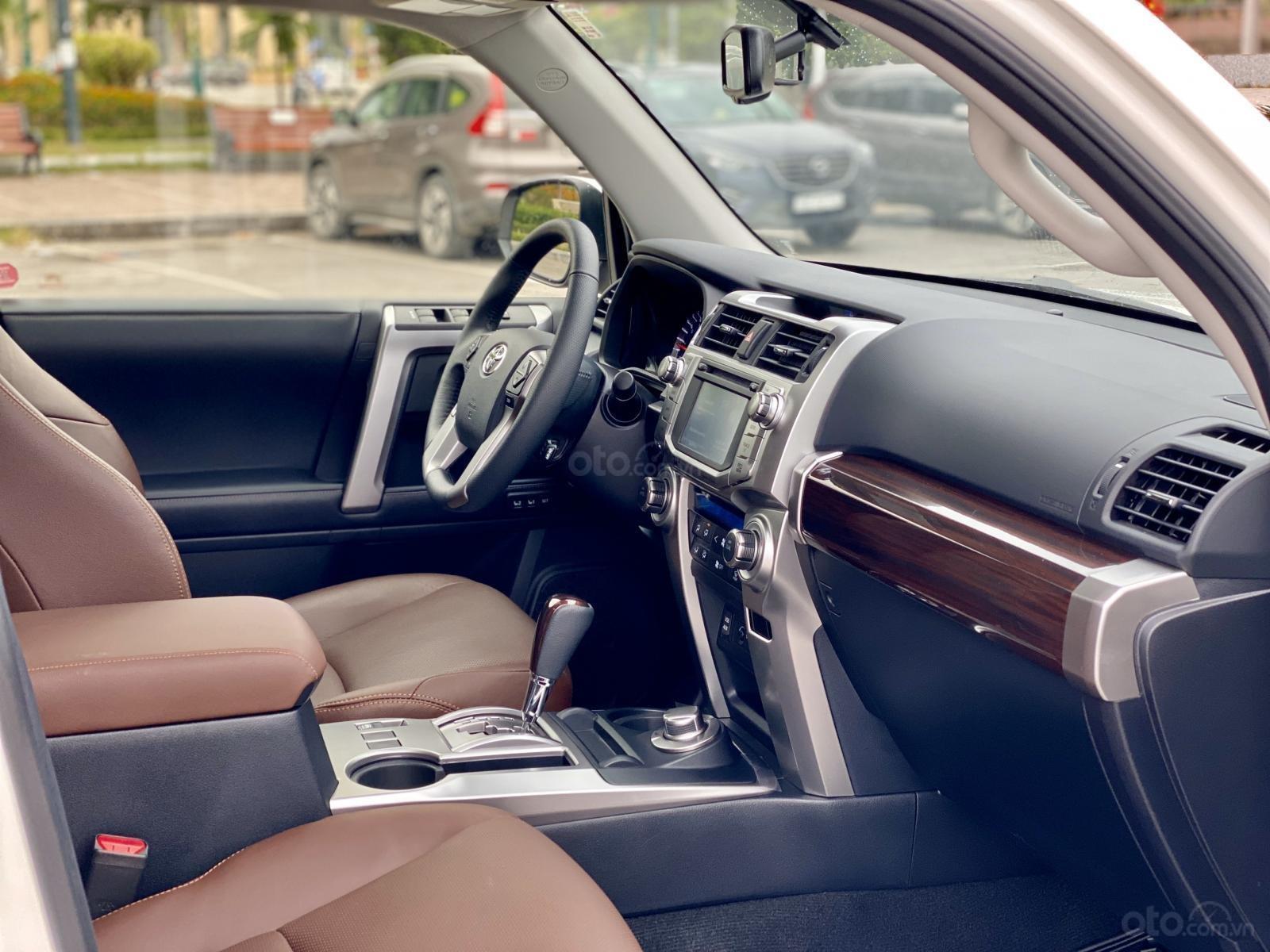 Cần bán Toyota 4 Runner Limited đời 2018, màu trắng, xe nhập (13)