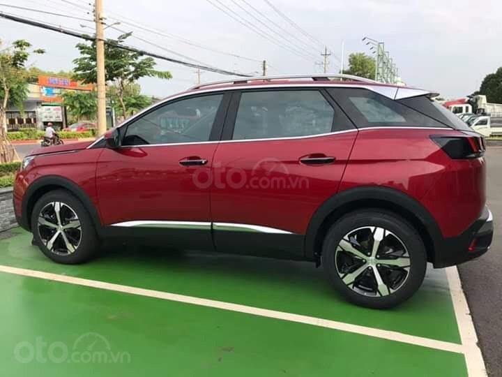 Bán xe Peugeot 3008 màu đỏ ưu đãi cực tốt (2)