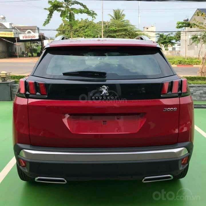 Bán xe Peugeot 3008 màu đỏ ưu đãi cực tốt (3)