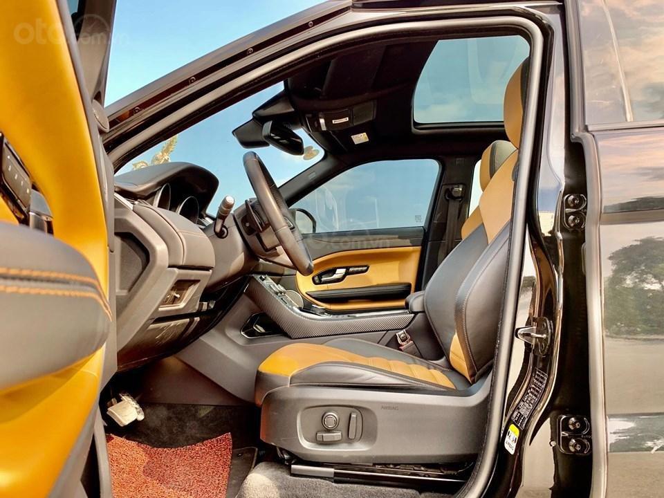 Cần bán LandRover Evoque HSE Dynamic 2017, màu đen, xe nhập (8)