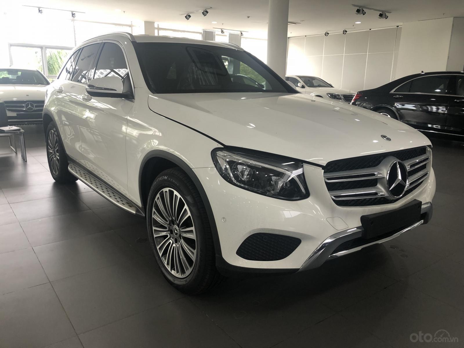 Bán Mercedes GLC250 2019 ưu đãi tốt xe giao ngay tại Mercedes Phú Mỹ Hưng (7)