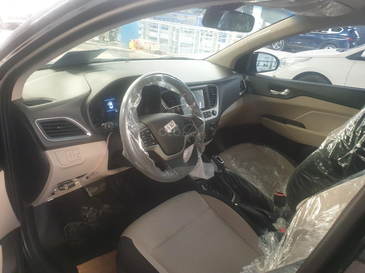 Bán Hyundai Accent số 2019, đủ màu trả trước 150tr, liên hệ Mr. Quang 0936167272 (5)