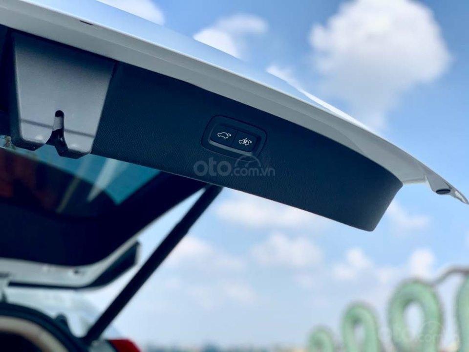 Bán Volvo XC90 T6 Inscription năm sản xuất 2017, màu trắng, nhập khẩu nguyên chiếc (7)