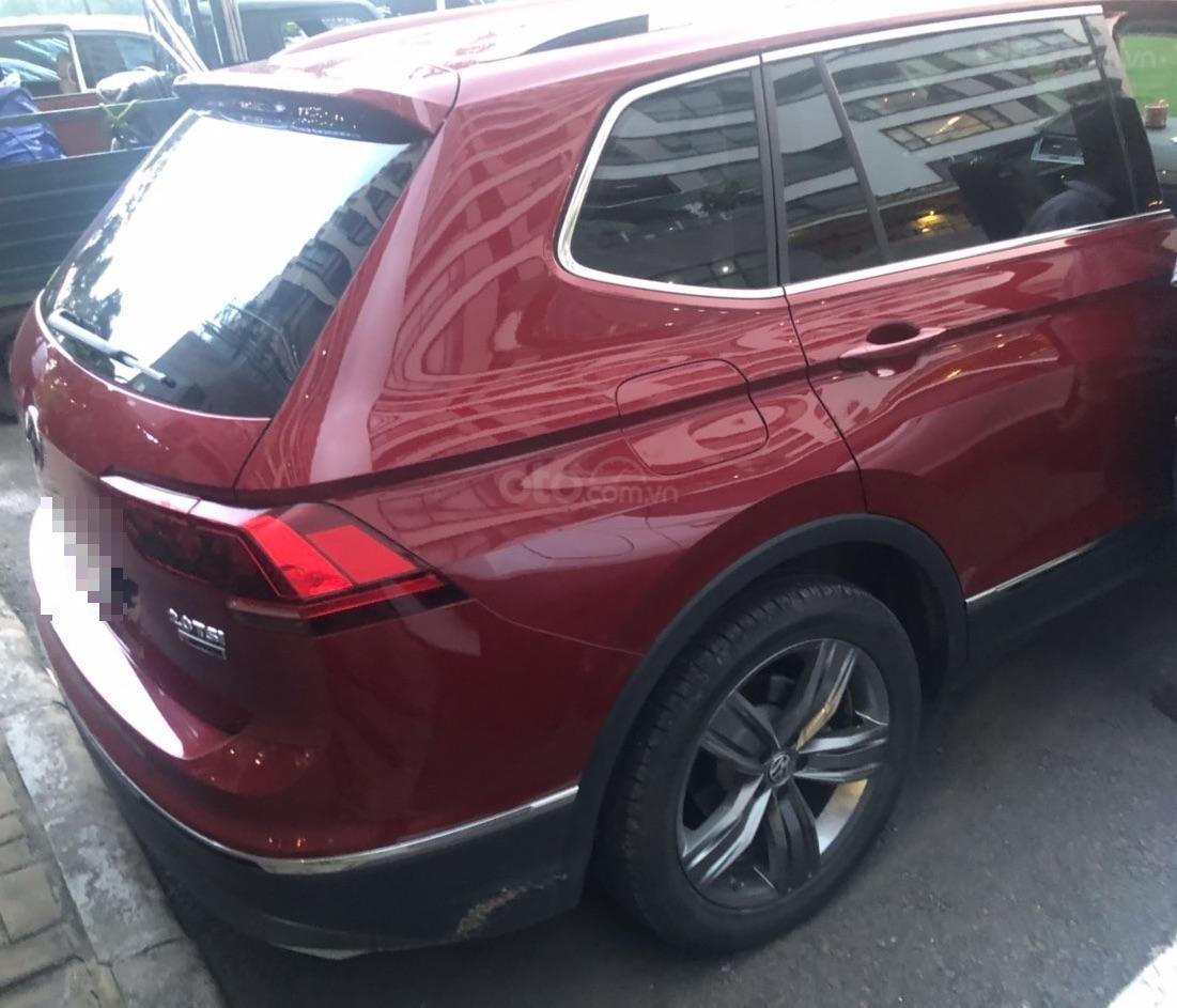 Lên đời bán SUV 7 chỗ VW Tiguan Highline đỏ rượu vang, đăng ký 2019, đi mới 15.000km (3)